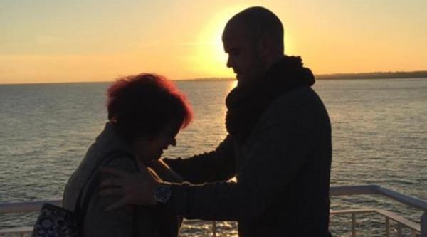 Neil with his mum Yvonne at sunset