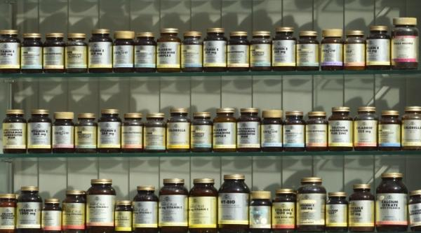 Shelves of supplements